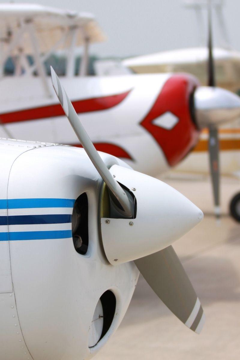 czarterowych lotów